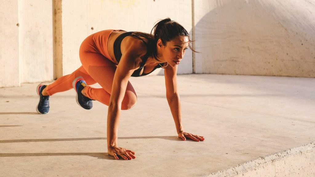 Natural ways to have a miscarriage: doing intense excercises