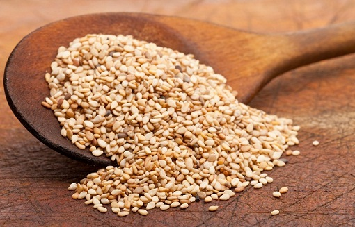 Natural ways to have a miscarriage: consuming sesame seeds