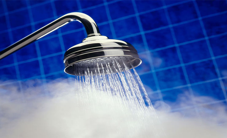 Natural ways to have a miscarriage: taking hot water showers
